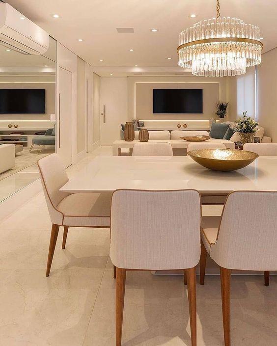 3 IDÉIAS para salas integradas com lustres luxuosos e imponentes ? O lustre central é a peça chave de qualquer integração de ambientes pois…