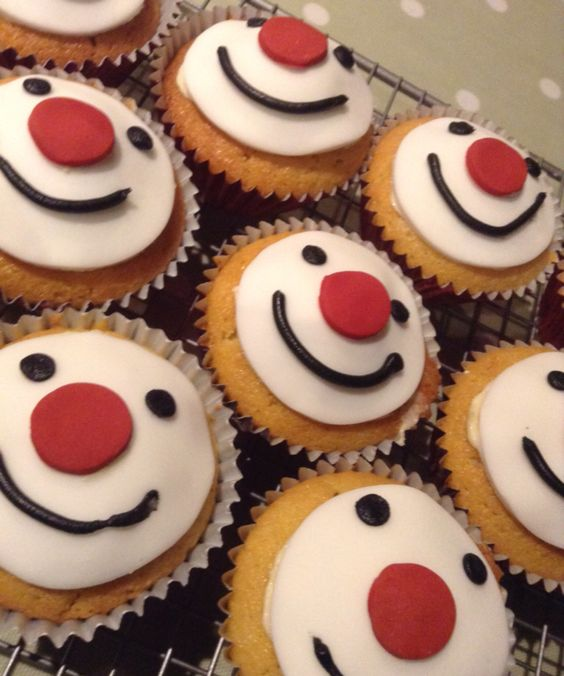 Red nose day cakes, Red nose day and Red nose on Pinterest