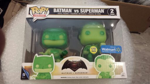 Batman vs Superman Walmart Exclusive funko pop ( GID) (box has damage )