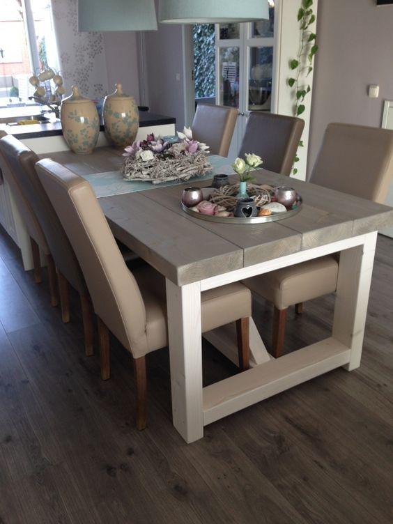 Tafel dikke steigerplanken met houten onderstel tafels for Tafel van steigerplanken