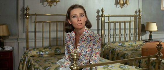 Одри Хэпберн в фильме «Двое на дороге» (1967) Стенли Донена поболтать