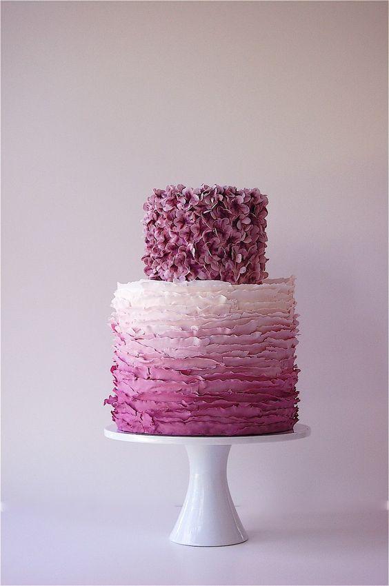 Such a beautiful cake design