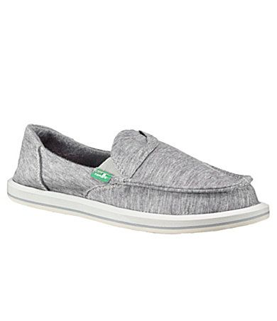 Loos so comfy: Comfiest Shoes, Buy Shoes, Comfy Shoes, Sanuk Shoes, Summer Shoes, Favorite Footwear, Fashionista Style, Kinda Shoes