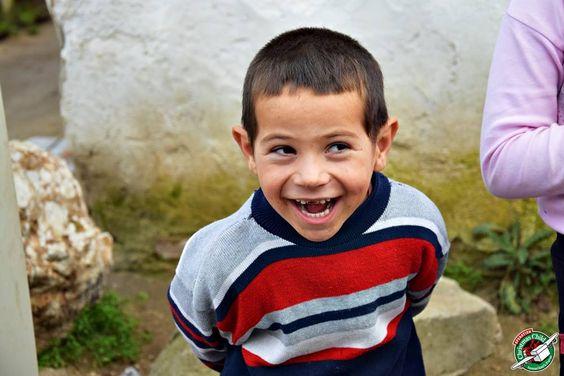 Dieses Jahr wurden insgesamt 512.209 Kinder in Not beschenkt! So wie der vierjährige Dimiter, der den ganzen Nachmittag nur gestrahlt hat. Vielen Dank euch fleißigen Päckchenpackern!