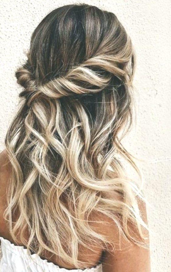 Wunderschone Hochzeit Frisur Brautjungfer Frisuren Brautjungfer Frisur Fr In 2020 Hair Styles Prom Hairstyles For Long Hair Simple Prom Hair