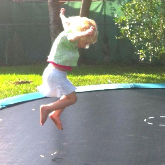 Sunken trampoline. Sooo cool!