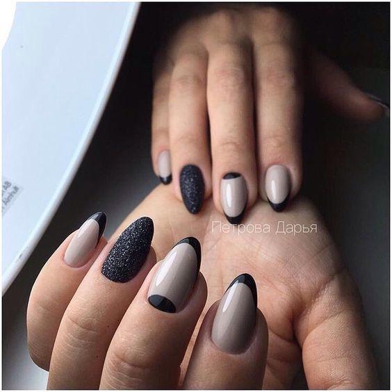 Акцент на безымянном пальце, Бежево-черный дизайн ногтей, Весенний лунный маникюр, Двухцветный френч, Дизайн ногтей французский маникюр, Идеи лунного маникюра, Идеи маникюра 2017, Идеи осеннего маникюра