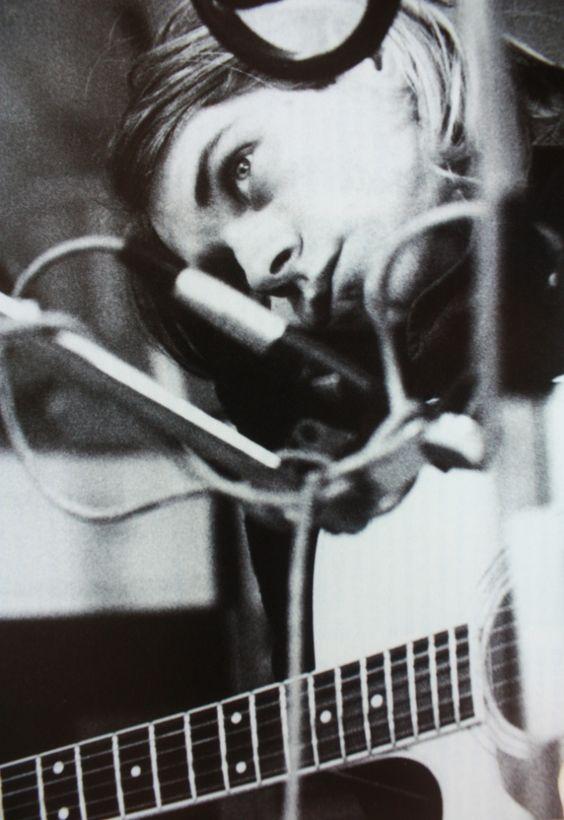 Kurt Cobain: Kurt Cobain Nirvana, Nirvana Kurt Cobain, People Musicians, Kurt Photos, Cobain Grunge, Kurtcobain, Donald Cobain, Cobain Music