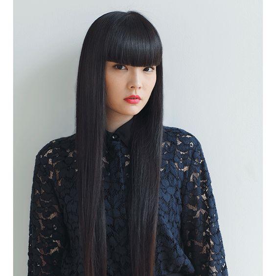 黒髪が美しい秋元梢