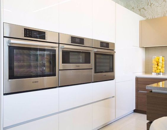 The @boschhomeus horizontal oven installation allows you to cook comfortably from a neutral position. #Bosch