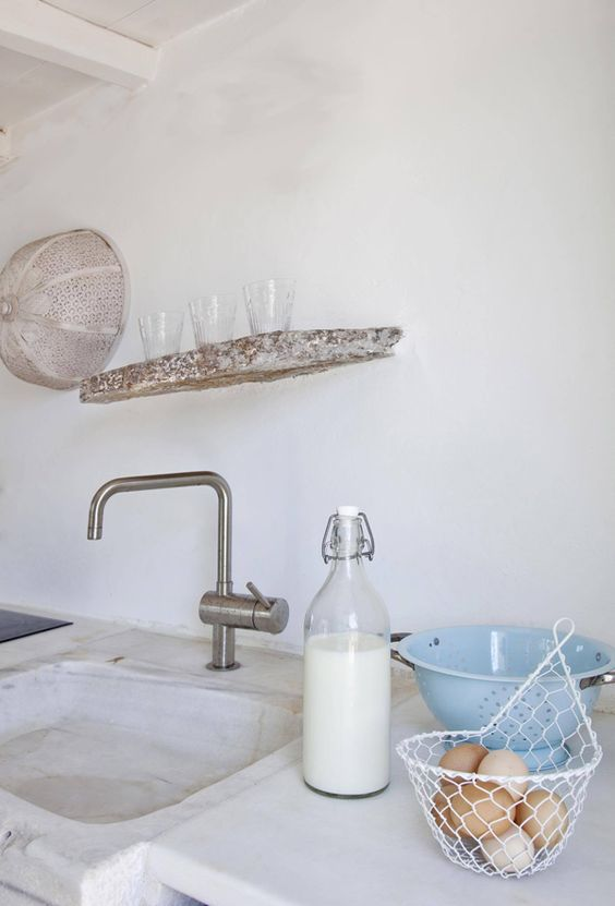 kirchen A BEAUTIFUL RURAL SUMMER HOME ON ANTIPAROS, GREECE | THE STYLE FILES: