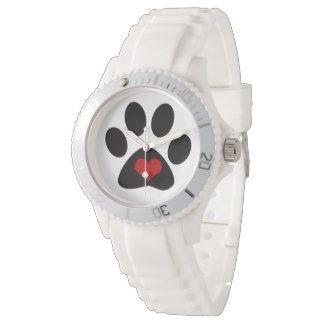 Hundetatze mit Liebe-Herzen Uhr