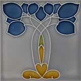 Blumenornamente wie Lilie, Mohn, Silberpfennig, Rosen oder Winden in unterschiedlich abstrahierten Formen als typische Motive auf Jugendstilfliesen