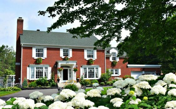 Relaxing in the Quebec Countryside at the Elegant Auberge Les Pignons Verts