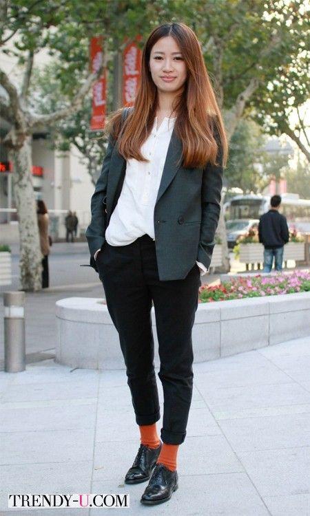 Уличная модница из Токио #capri #chinos #outfit #streetstyle #streetwear