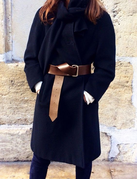 cintura sopra il cappotto
