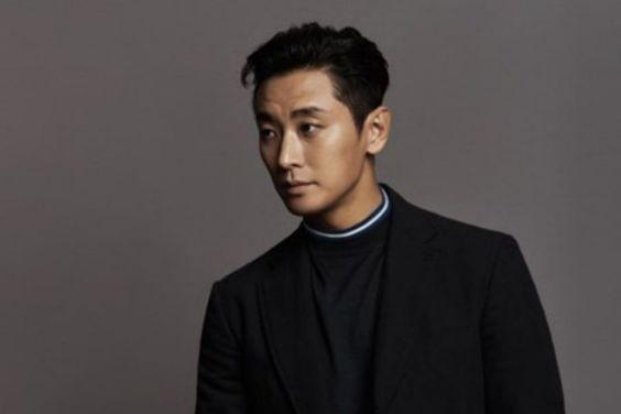 "Joo Ji Hoon On His Reaction ""Kingdom"" Season 2 Script, Says No One Is Safe"