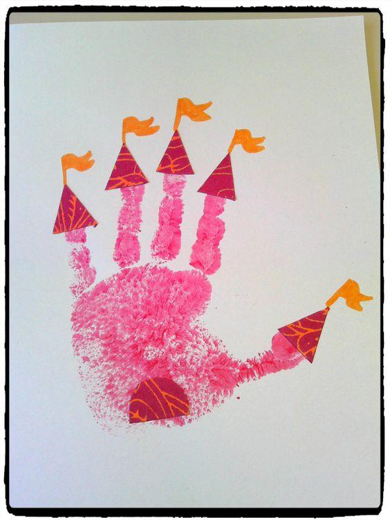château de princesse en empreintes de mains, bricolage enfant: