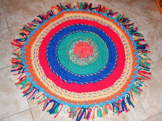 Alfombra al crochet de totora