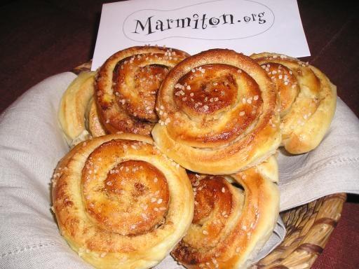 Kanelbullar (pains suédois à la cannelle)