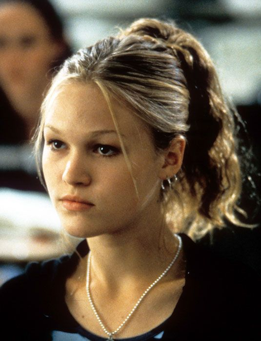 Prom Hairstyles 90s : Julia stiles and makeup trends on