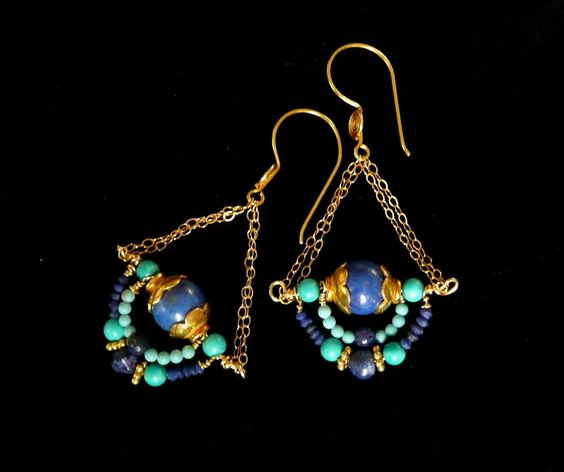 Gizeh -- Dangling earrings with lapis lazuli, turquoise and gold vermeil