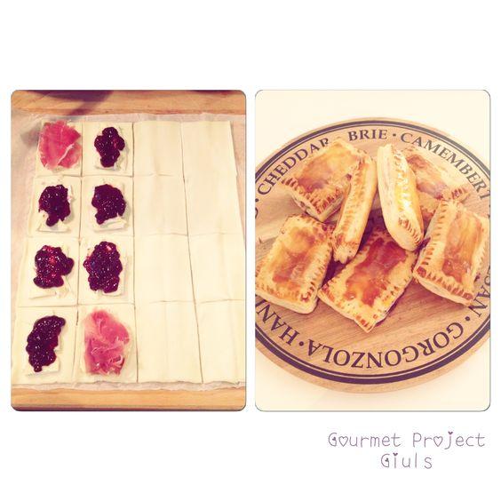 Fagottini di pasta sfoglia, brie e marmellata ai frutti di bosco! <3