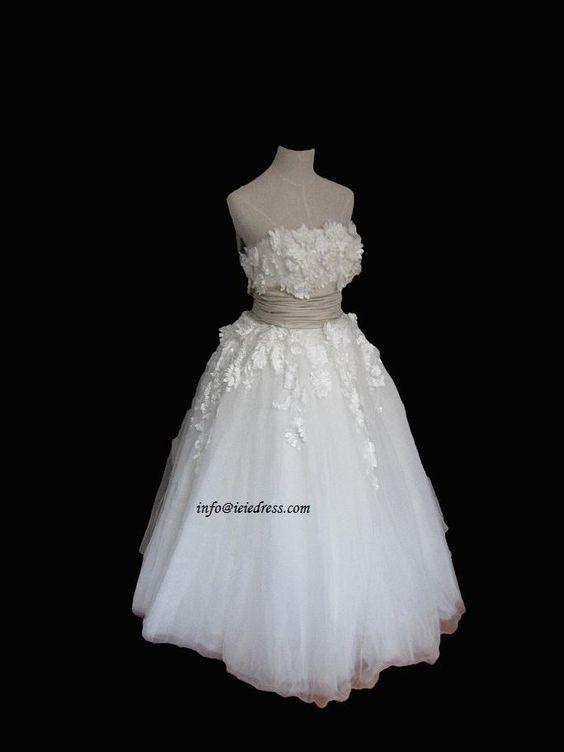 Ieie's Dress Boutique has beautiful dresses for cheap prices.... LOVE!