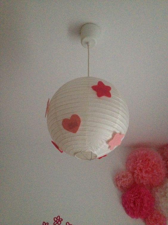 Decorando una #lampara con #estrellas y #corazones de #fieltro #rosa