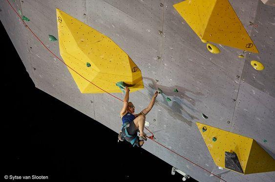 2018 Paraclimbing Cup Briancon Lucie Jarrige France Leg Amputee On Www Boulderingonline Pl Rock Climbing News Bouldering Rock Climbing Climbing Gear