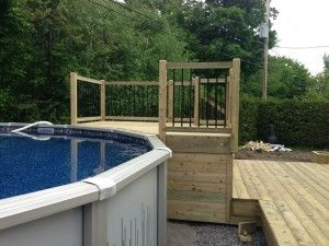 Patios decks piscine patio bois trait patios for Construire deck piscine