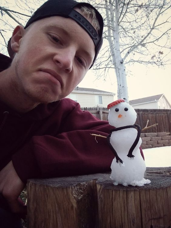Me and my little gangsta snowman http://ift.tt/2ih09g2