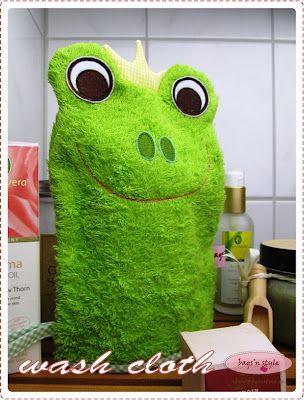wash cloth frog