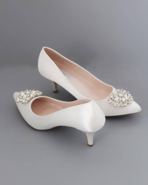 Off White Satin Pointy Toe Kitten Heel With Oversized Brooch Wedding Shoes Heels Heels Kitten Heel Wedding Shoes