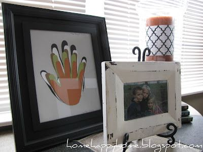 Clever way to show your child's growth progress or overlap handprints of all the kids/family members to make a personalized Mother's Day gift.