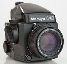 Sekorの80ミリメートルF / 2.8レンズメーターのプリズムとマミヤM645スーパーミディアムフォーマットカメラ