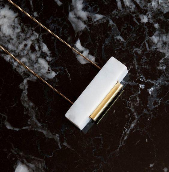 Collier en marbre blanc rectangulaire par gravelanddust sur Etsy