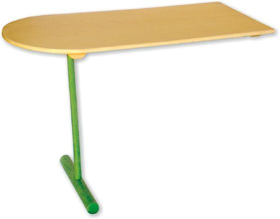 """Dieser Tisch ist eine tolle Ergänzung für die Küche """"all in one"""". Hilfreiche Arbeitsfläche für kleine Köche und Küchengehilfen entsteht im Handumdrehen. Die Tischplatte und das grüne Bein sind aus hochwertigem Holz gearbeitet.  ca. 70 x 25 x 46 cm"""