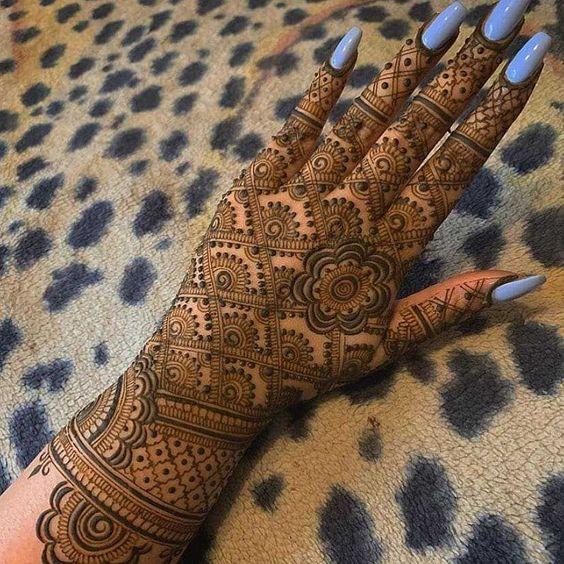 Complete henna design