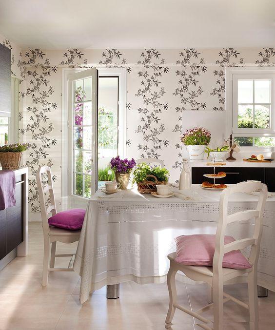 Una cocina en flor papel pintado de el arcón de margari ...