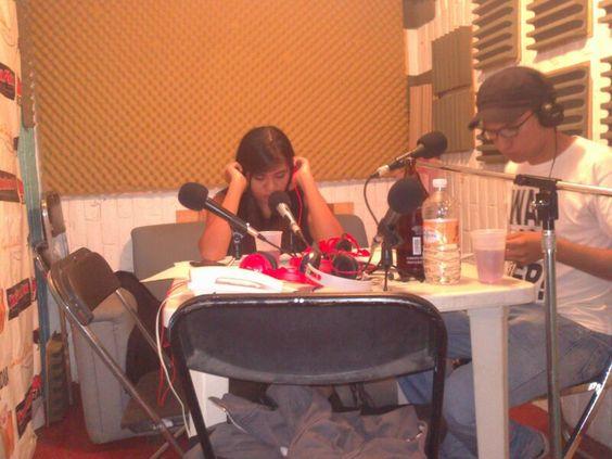 Lo que sucede en cabina, conoce a nuestros locutores. http://play.bizarro.fm