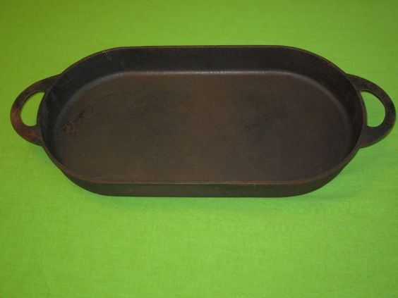 Large vtg cast iron pan oval fish fryer griddle skillet for Cast iron fish