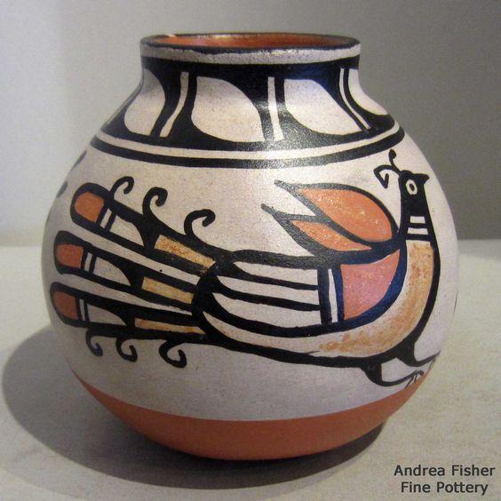 Artist: Robert Tenorio Pueblo: Santo Domingo