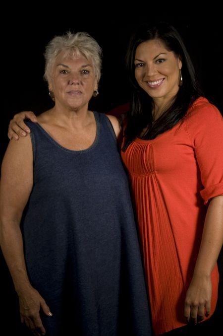 Sara Ramirez , com a atriz Tyne Daly, pra quem não ligou o nome à pessoa , ela interpretou a Srª Shepperd , ela é irmã do ator de Private Practice ,Tim Daly