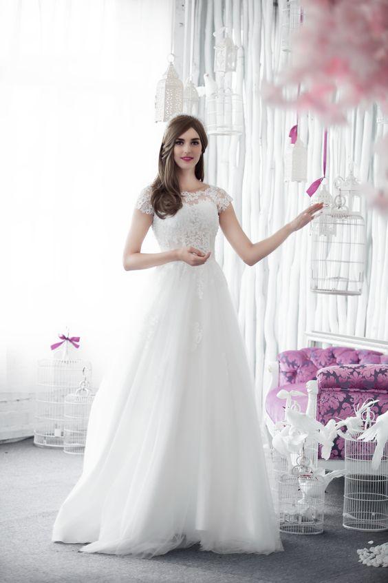 W6108 MAEVA  (Vestido de Novia). Diseñador: White Dress. ...