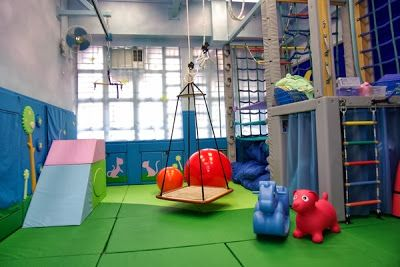 Amazing sensory rooms for SPD, Aspergers, Austism, ADHD, Occupational Therapy http://brighterspecialneeds.blogspot.com.au/2013/10/super-awesome-sensory-rooms.html