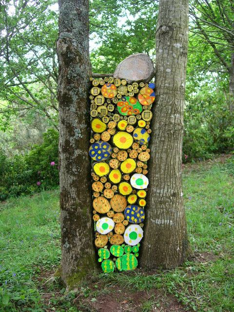 land art 3d art pinterest insectes bois de chauffage et troncs d 39 arbres. Black Bedroom Furniture Sets. Home Design Ideas