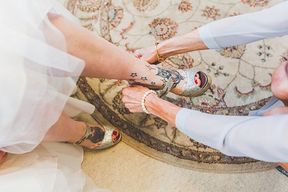 Real DIY wedding at Hedingham Castle in Essex, images by Sam and Louise Photography (4)