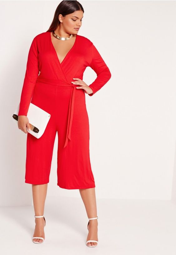 Be the lady in red this season in this smokin' hot culottes jumpsuit from us at missguided. In a figure flattering soft touch jersey fabric this wrap over style jumpsuit with deep plunge neckline is seriously sexy. With tie belt feature and...