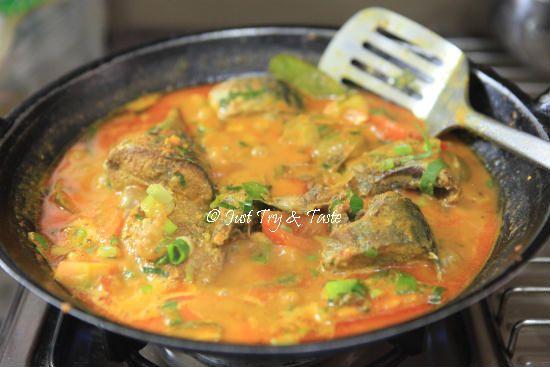 Resep Ikan Tongkol Masak Woku Belanga Resep Ikan Makanan Dan Minuman Resep Makanan Asia